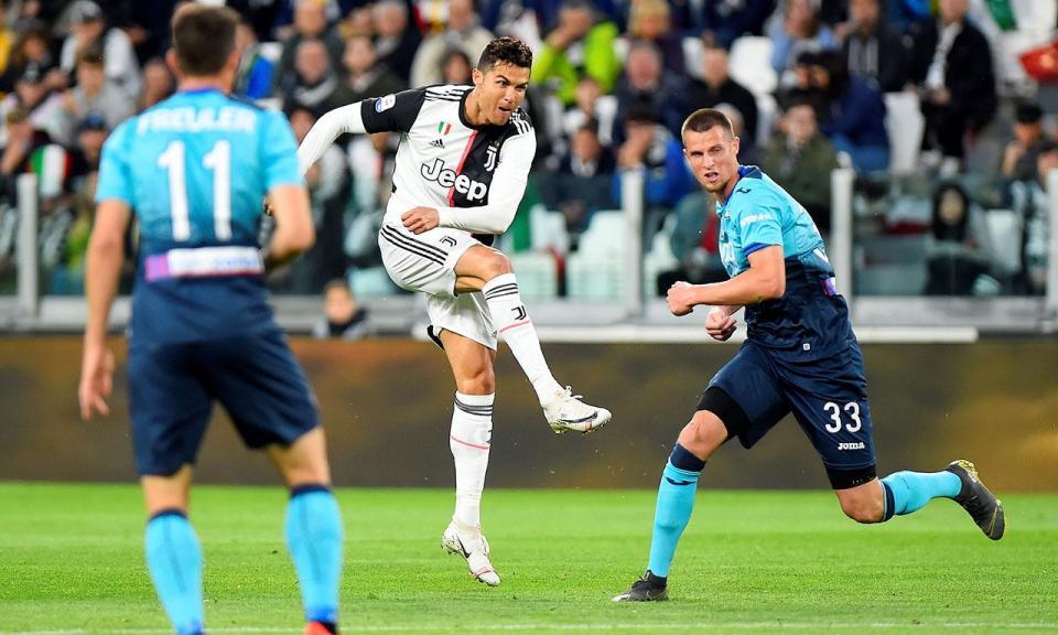 Itália: Inter goleado em Nápoles, Mandzukic evita derrota da Juve