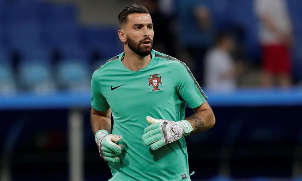 Patrício é o guarda-redes mais internacional de sempre por Portugal