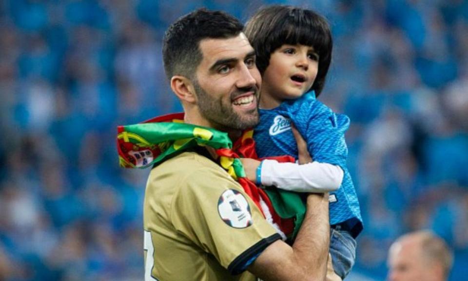 VÍDEO: Zenit rende homenagem a Neto, português responde com carta