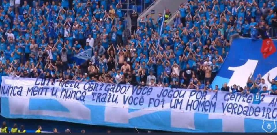 Luís Neto teve direito a tarja na despedida: «Foste um homem verdadeiro»