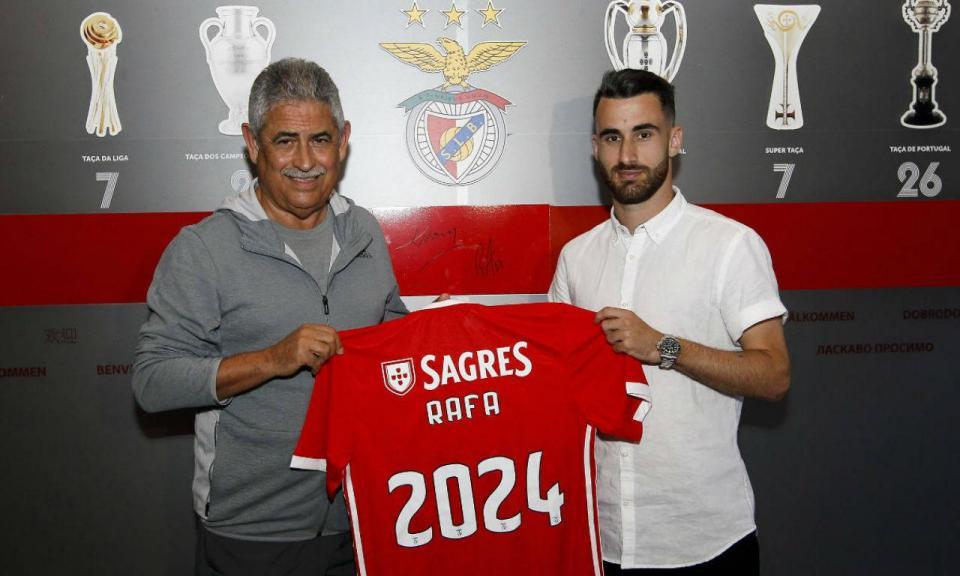 OFICIAL: Benfica anuncia renovação com Rafa