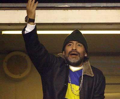 Maradona e o Boca: «Se Medel fosse argentino, ia à selecção»