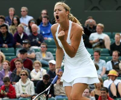 Wimbledon: vitórias-relâmpago para Federer e Sharapova