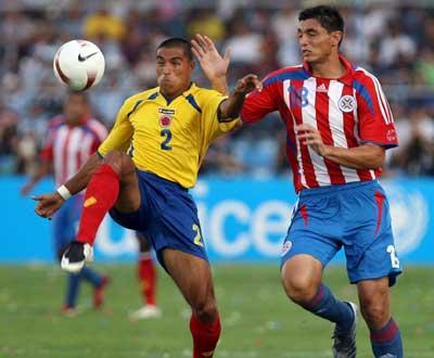 Copa América: brilho de Santa Cruz ofuscou Cardoso na goleada do Paraguai (5-0)