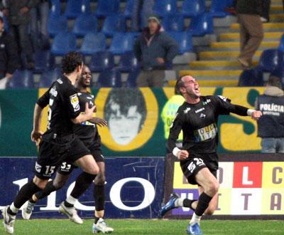 Pavlovic (ex-Académica) lesiona dois guarda-redes em 90m