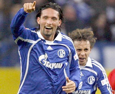 Alemanha: Schalke 04 despede treinador