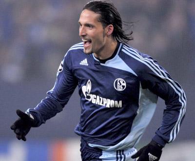 Alemanha: Schalke vence Bielefeld na abertura da jornada 26