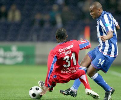 Roménia: Rapid vence Brasov em jogo com quatro portugueses