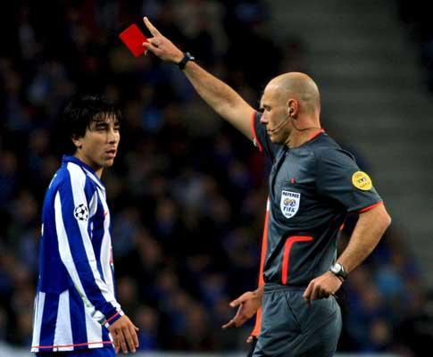 Fórum: quem deve ser o lateral-direito do F.C. Porto?