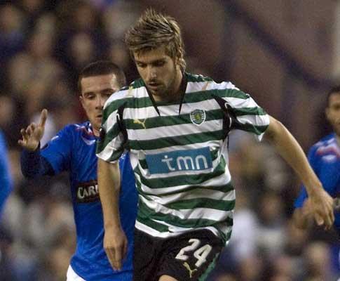 Sporting: Veloso tenta «ultrapassar momento menos bom»